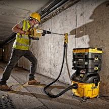 Dewalt DWV901L 110v Wet & Dry Dust Extractor 1400w